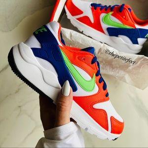 NWT Nike LD victory